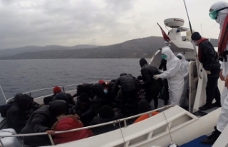Türk karasularına bırakılarak ölüme terk edilen...