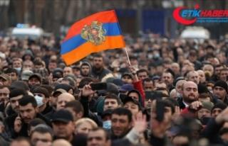 Ermenistan'da ordunun başbakana istifa çağrısına...