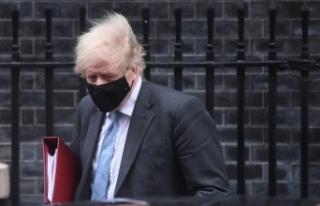 İngiltere Başbakanı Johnson, karantinadan çıkış...
