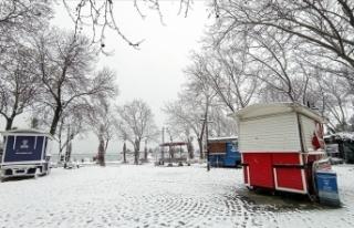 İstanbul'da kar yağışı nedeniyle yüz yüze...