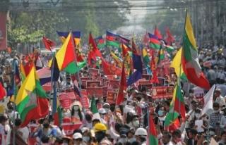 Myanmar'da darbe karşıtı protestolar ve genel...