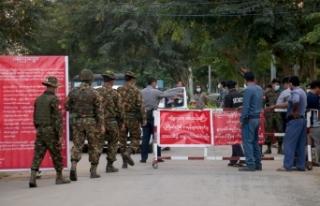 """Myanmar ordusu darbeyi reddetti: """"İktidarı ele..."""