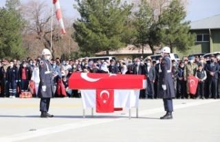 Teröristlerin katlettiği er Sungur, memleketi Siirt'te...