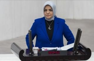 AK Parti Kadın Kolları Başkanlığına Ayşe Keşir...