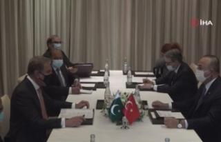 Bakan Çavuşoğlu, Pakistanlı mevkidaşı Kureyşi...