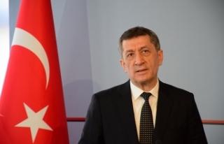 """Bakan Selçuk: """"Arnavutça'nın da Türkiye'de..."""