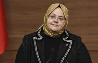 Bakan Zehra Zümrüt Selçuk kadın istihdamına katılım...