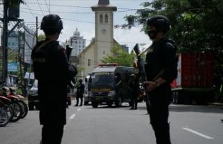 Endonezya'da kiliseye bombalı saldırı düzenlendi:...
