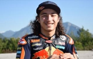 Genç mili motosikletçi Can Öncü, Dünya Supersport...