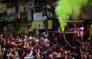 Hindistan'da Holi festivali kanlı bitti: 41 ölü,...