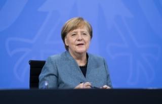 Merkel, Covid-19 kısıtlamalarını Paskalya tatiline...