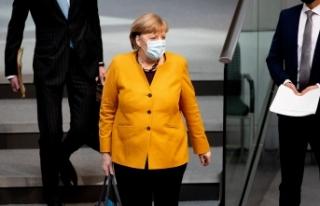 Merkel geri adım attı, Paskalya kısıtlamalarını...