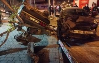 Mersin'deki feci kazada baba ve oğlu hayatını...
