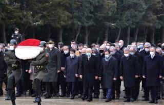 MHP Genel Başkanı Bahçeli, yeni MYK ve MDK üyeleriyle...