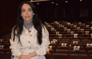 Oyuncu Nurdan Albamya İnce, tiyatro ile seyirci arasındaki...