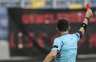 Süper Lig'de kırmızı kartlar arttı, sarı...