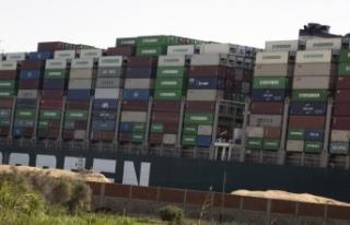 Süveyş Kanalı'nda sıkışan geminin bugün yüzdürülmesi...