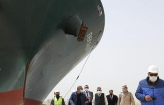 Süveyş Kanalı'nı tıkayan dev geminin sahibi...