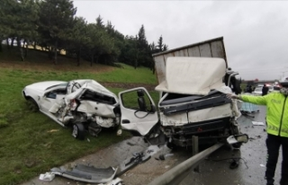 TEM Otoyolu'nda zincirleme trafik kazasında...