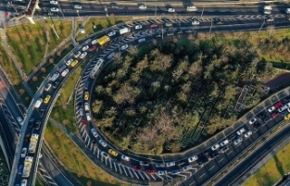 Trafiğe kayıtlı otomobil sayısı 19 yılda 8,5...