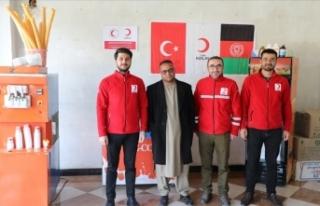 Türk Kızılay ülkesine dönen Afganlara iş imkanı...