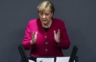 Almanya Başbakanı Merkel: Bu günlerde Aleksey Navalnıy...