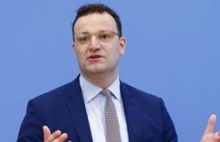Almanya Sağlık Bakanı Spahn: Yoğun bakımdaki...