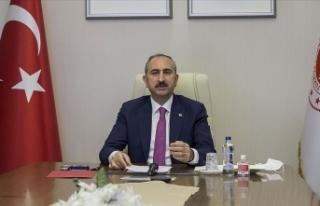 Bakan Gül: Bu ülkenin bekasını korumak demokrasiye...
