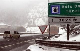 Bolu Dağı'nda kar kalınlığı 20 santimetreye...