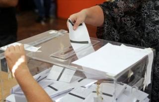 Bulgaristan halkı milletvekili seçimleri için sandık...
