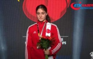 Büşra Işıldar, dünya gençler boks şampiyonu...