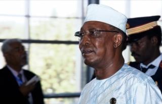 Çad Cumhurbaşkanı İdris Deby Itno cephe hattında...