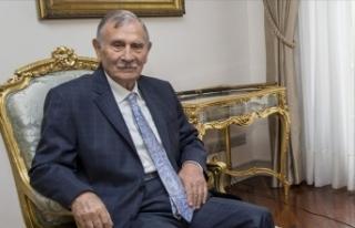 Eski başbakanlardan Yıldırım Akbulut hayatını...