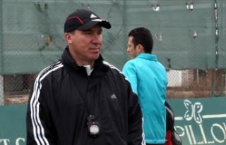 Eskişehirspor'da teknik direktör Cengiz Seçsev...
