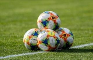 PSG, Hollandalı futbolcu Wijnaldum'u transfer...