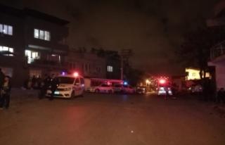 İzmir'de sokak ortasında silahlı çatışma:...