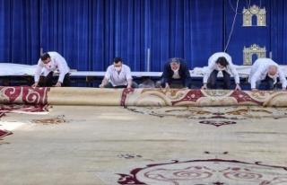 Milli Sarayların en büyük halısının restorasyonu...