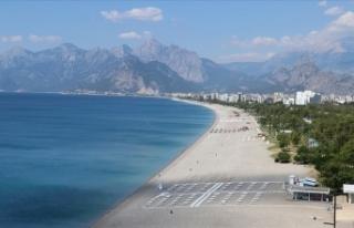Rus turizm sektörü Türkiye ile uçuşların tekrar...