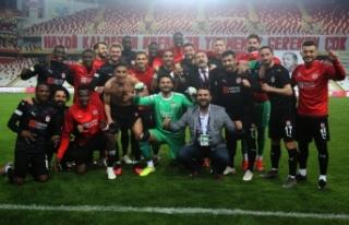 Sivasspor'dan Antalya hatırası!
