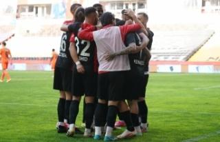 Süper Lig: Gaziantep FK: 2 - Medipol Başakşehir:...