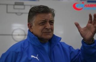 Türk futbolunun renkli siması Yılmaz Vural kariyerine...