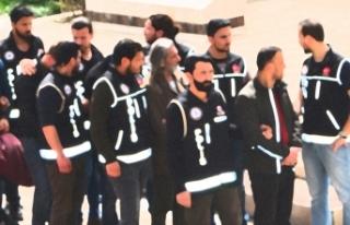 Eskişehir'de fuhuş operasyonu: 8'i kadın 36...