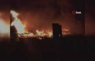 Gaziosmanpaşa'da metruk bina alev alev yandı