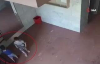 Gazze'de 2 çocuk, İsrail füzelerinden kıl payı...