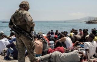 İspanya, Fas'tan gelen 8 bin düzensiz göçmenin...