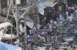 Pakistanlılar, bayram öncesi market ve pazarlara...