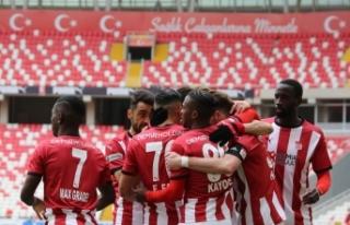 Sivasspor düşme hattından çıktı, Avrupa potasına...