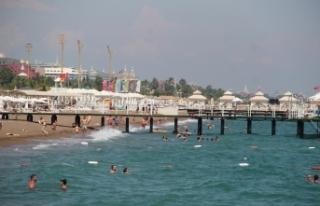 Antalya'ya akan Rus turistlerin ilk adresi deniz...