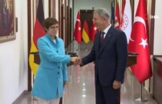 Bakan Akar, Almanya Savunma Bakanı Annegret Kramp-Karrenbauer...