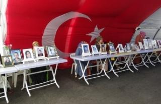 Diyarbakır'da evlat nöbetindeki babadan HDP'li...